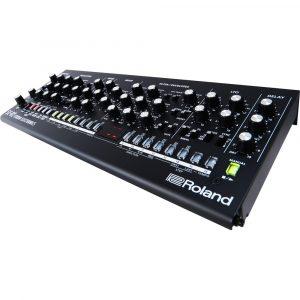 Roland SE-02 Studio Electronics